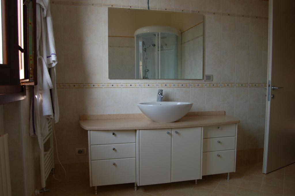 Mobili lavello bagno classico [Tibonia.net]